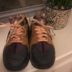 Used Huarache sneaker